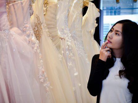 Biết về các loại vải để chọn váy cưới đẹp