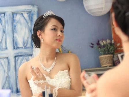 Xu hướng trang điểm nào cho cô dâu 2011?