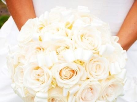 Xu hướng hoa cầm tay cho cô dâu mùa cưới 2011