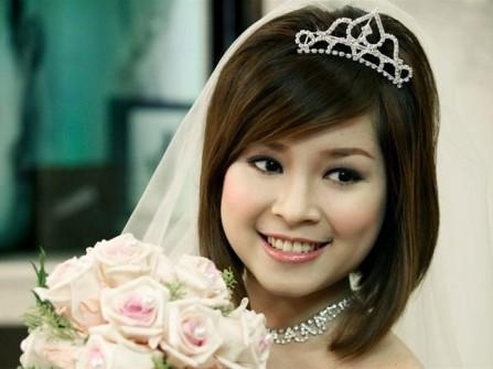 Chọn phụ kiện và trang sức nào dành cho tóc cưới?