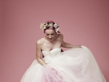 Xu hướng áo cưới 2012 – Váy cưới màu
