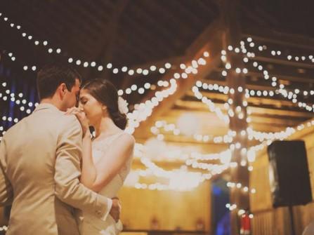 Ảnh cưới phóng sự, lạ mà quen