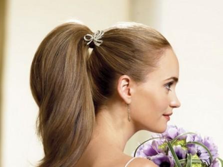 Tóc cưới kiểu đuôi ngựa cho cô dâu