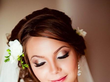 9 điều cần nhớ khi tự trang điểm cưới