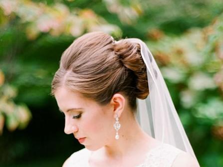 Lưu ý khi chọn kiểu tóc cưới búi cao