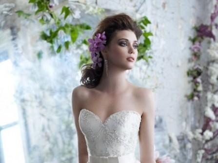 4 kiểu áo cưới giúp che khuyết điểm vòng 2