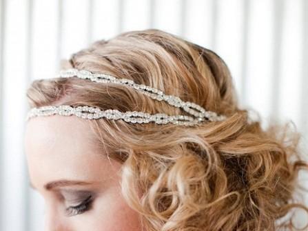 4 phong cách tóc cưới với băng đô