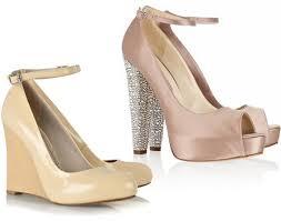 Giày cưới màu nude cho chân thon