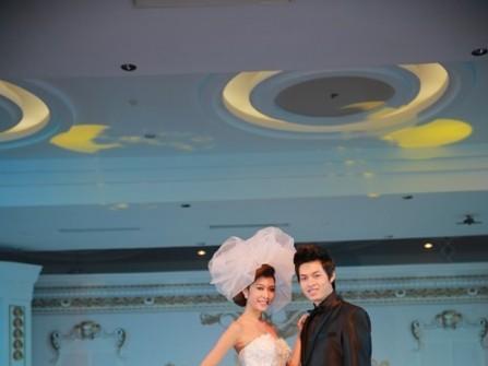 Rực rỡ sắc màu đêm khai mạc MarryWedding Day
