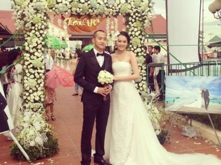 Siêu mẫu Ngọc Thạch âm thầm làm đám cưới