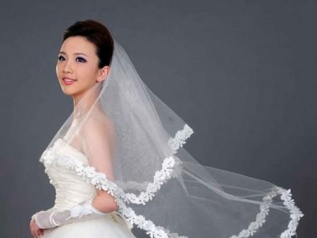 Cô dâu xinh đẹp hơn với lúp ren