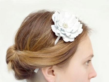 Cô dâu phong cách khi kết hợp với thời trang da