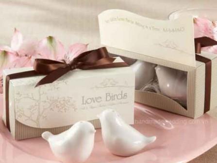 Quà cảm ơn khách mời đám cưới bằng sứ trắng