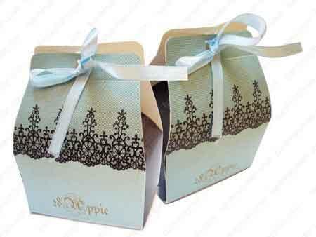 Hộp quà cưới ren dành cho khách mời đám cưới