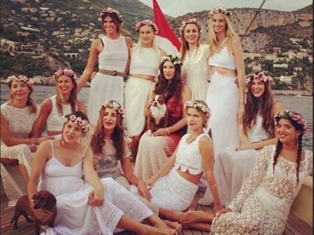 Cô dâu bohemian trong đám cưới hoàng gia Monaco