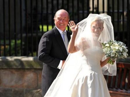 Cháu gái Nữ hoàng Anh và đám cưới kiểu Scotland