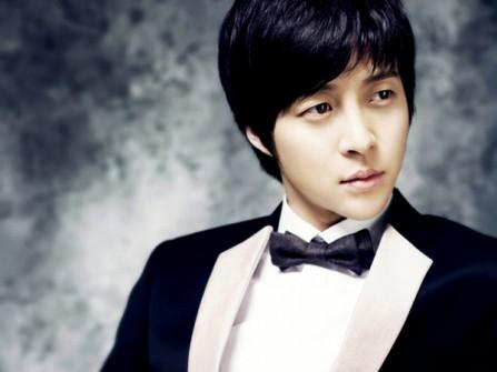 Vest cưới đen kết hợp phong cách Hàn Quốc