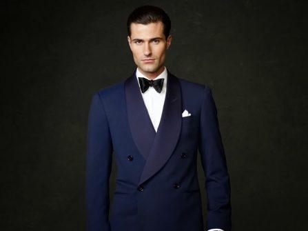 Vest cưới đen hai hàng nút phong cách cổ điển kết hợp với nơ cổ