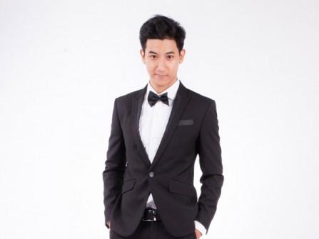 Kiểu vest cưới đen đơn giản dành cho mọi phong cách tiệc