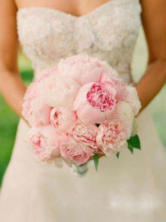 Hoa cưới cầm tay màu hồng số 10