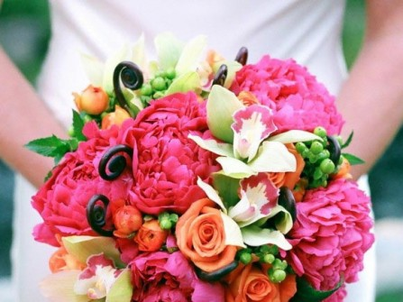 Hoa cưới cầm tay màu hồng số 11