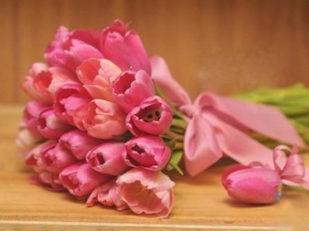 Hoa cưới cầm tay màu hồng số 12