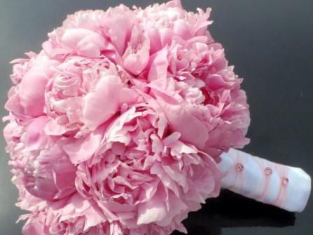 Hoa cưới cầm tay màu hồng số 3