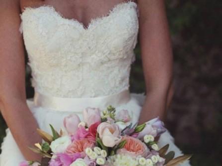 Hoa cưới cầm tay màu hồng số 7