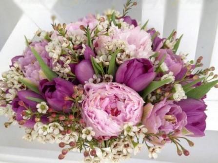 Hoa cưới cầm tay màu tím số 11