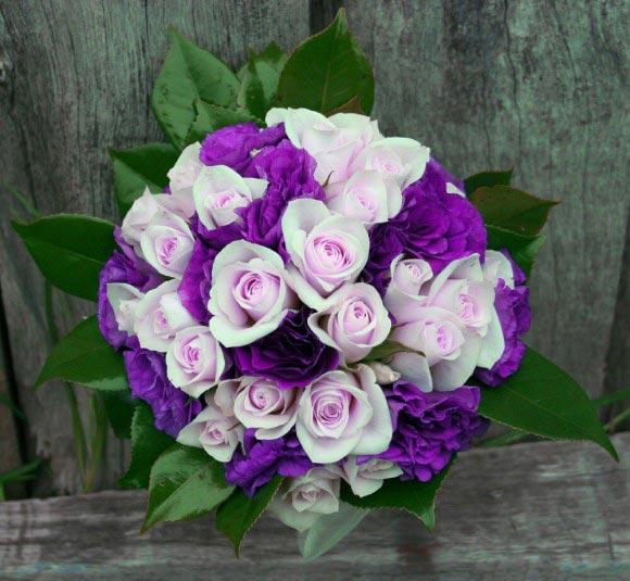 Hoa cưới cầm tay màu tím số 2