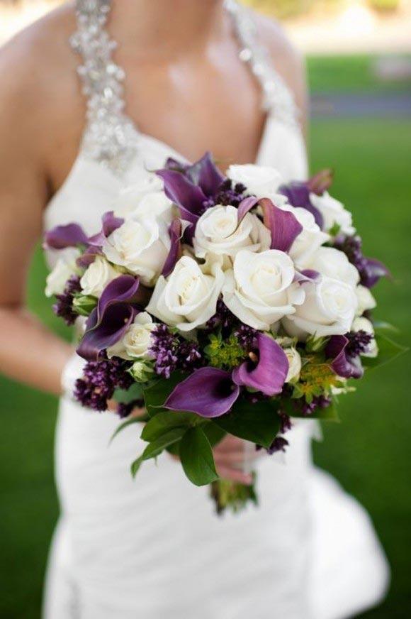 Hoa cưới cầm tay màu tím số 5