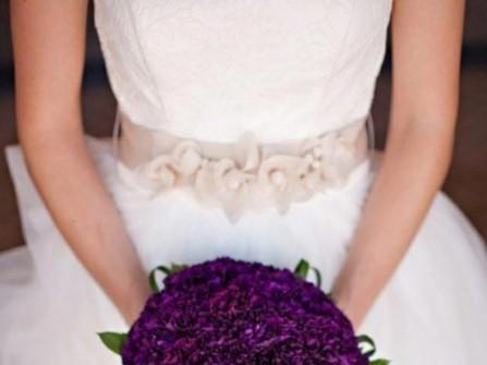 Hoa cưới cầm tay màu tím 15
