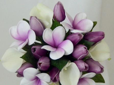 Hoa cưới cầm tay màu tím 16