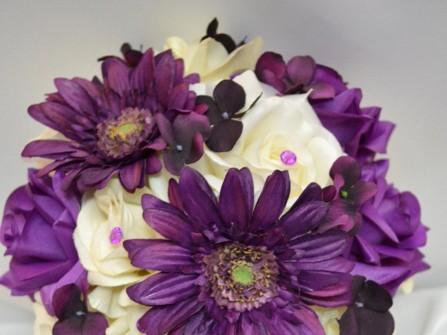 Hoa cưới cầm tay màu tím 19