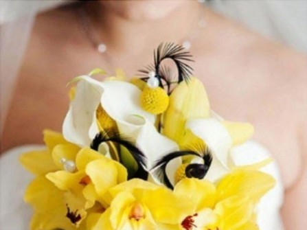 Hoa cưới cầm tay màu vàng 18