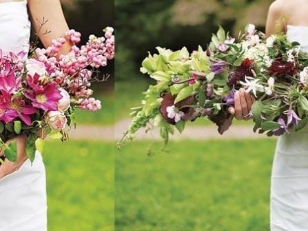 Hoa cưới cầm tay dáng dài cho cô dâu trong ngày cưới