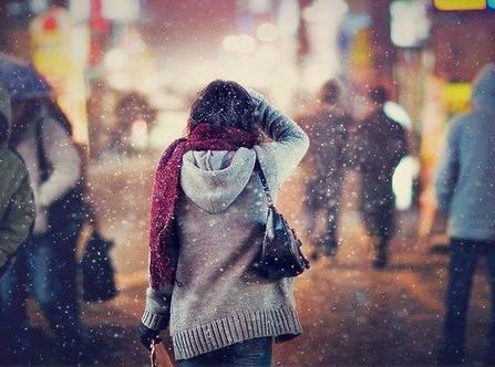 Em chọn cô đơn - vì đâu đó trong cuộc sống sẽ có người dành riêng cho mình... người duy nhất thuộc về em.