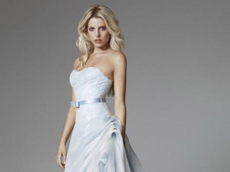 Cô dâu dịu dàng với váy cưới Pastel