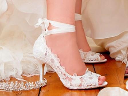 Giày cưới đẹp cho bạn tự tin trong ngày cưới
