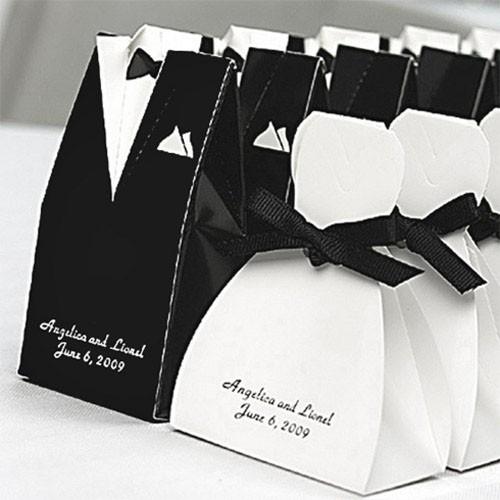 Hộp quà cưới hình cô dâu chú rể