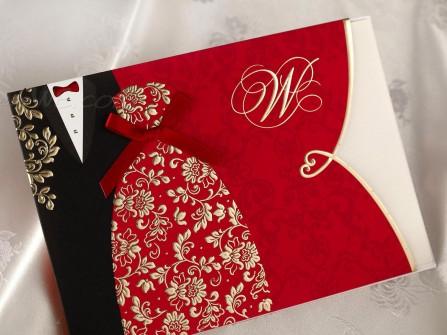 Thiệp cưới đẹp màu đỏ hình trang phục cô dâu chú rể