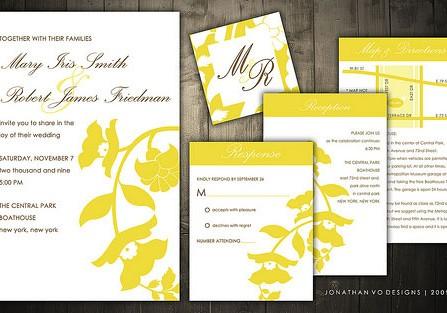 Thiệp cưới đẹp màu vàng họa tiết hoa sang trọng