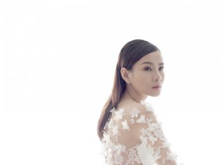 Dương Yến Ngọc 'phiêu' cùng váy cưới ren | BST Bridal 2015