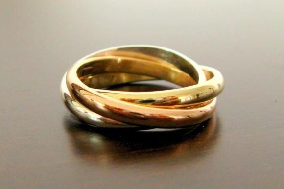 Kiểu nhẫn cưới vàng đan chéo