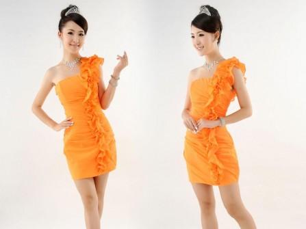 Váy phụ dâu màu cam vai chéo
