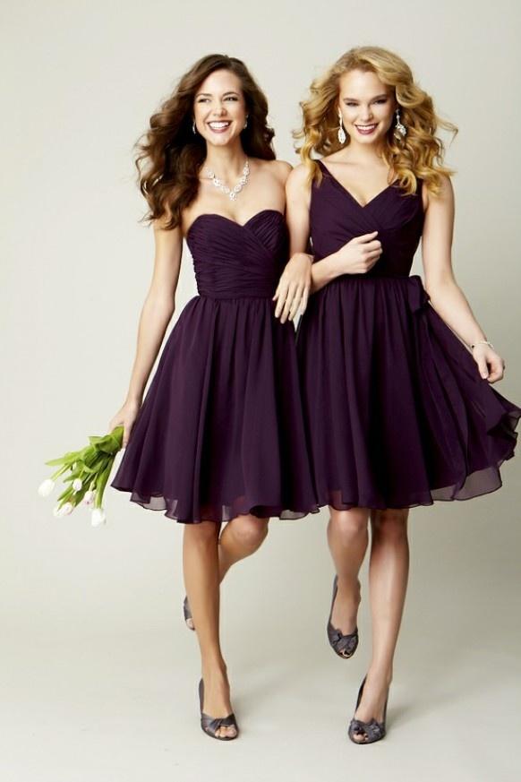 Váy phụ dâu màu tím than đậm