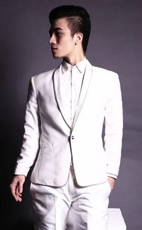 Vest chú rể trắng phom ôm chuẩn cổ áo nhỏ