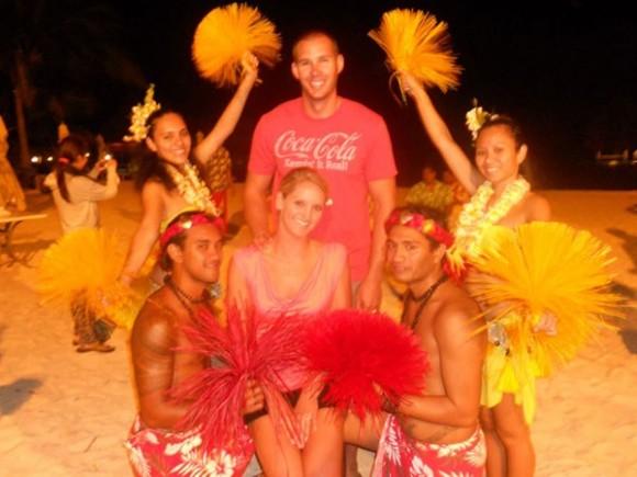 Scott và Shannon tận hưởng Bora Bora về đêm