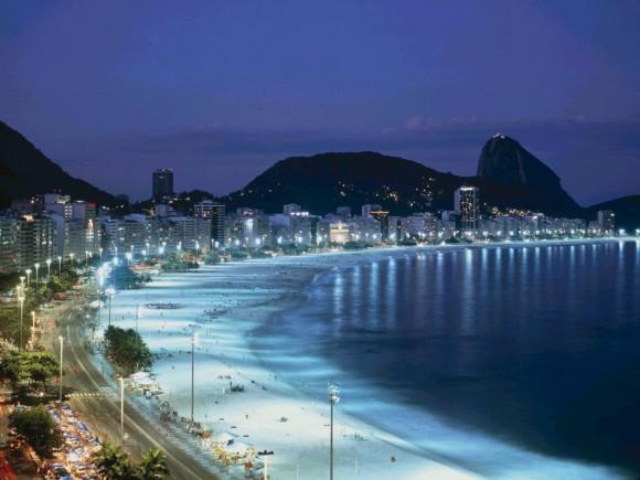 Bãi biển Haeundae về đêm
