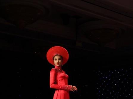 Áo dài cưới đỏ đính kim sa
